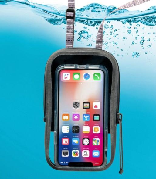 .Nite Ize Runoff Waterproof Phone Pouch